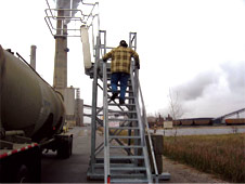 GREEN Removable Insta-Rack Platforms | Easy-to-Relocate Access Platform for Tank Trucks or Railcars