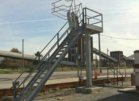 """Insta-Rack"" Pedestal Platforms by GREEN"